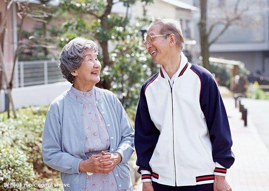 社会关注:老年人得了白癜风以后该怎么治疗?